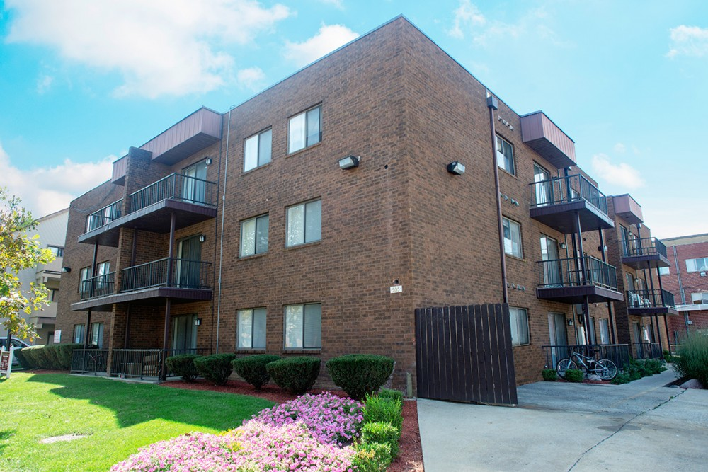 505 S  Fourth   One Bedroom. Apartments   Bankier Apartments
